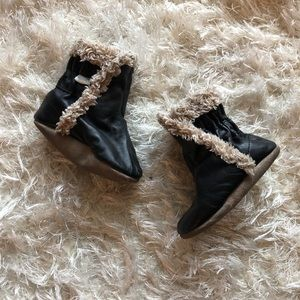 Robeez | Black and Tan Boots